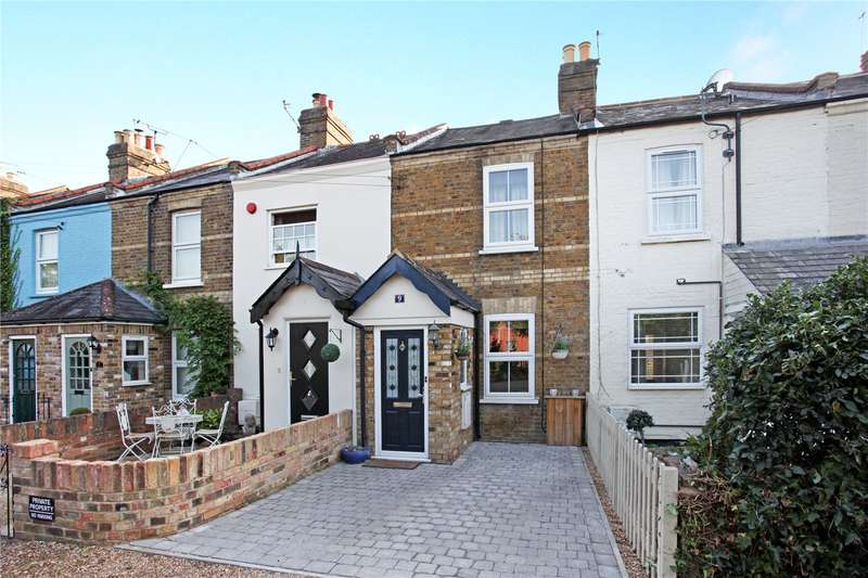 2 Bedrooms Terraced House for sale in Church Terrace, Windsor, Berkshire, SL4