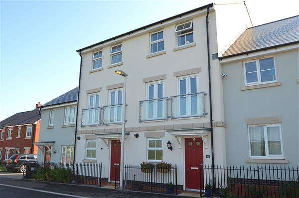3 Bedrooms Town House for sale in Carnac Drive, Dawlish