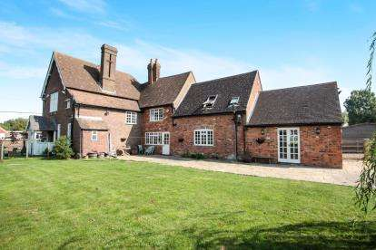 5 Bedrooms Detached House for sale in The Rye, Eaton Bray, Dunstable, Bedfordshire
