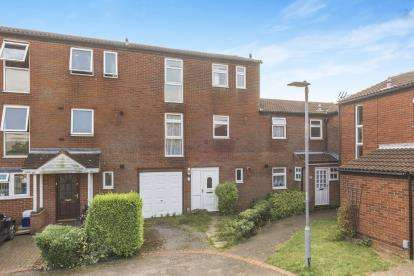 3 Bedrooms Terraced House for sale in Hopton Road, Stevenage, Hertfordshire