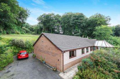 4 Bedrooms Bungalow for sale in Crecas Lane, Carmel, Holywell, Flintshire, CH8