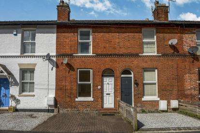 2 Bedrooms Terraced House for sale in Priory Street, Bowdon, Altrincham, Greater Manchester