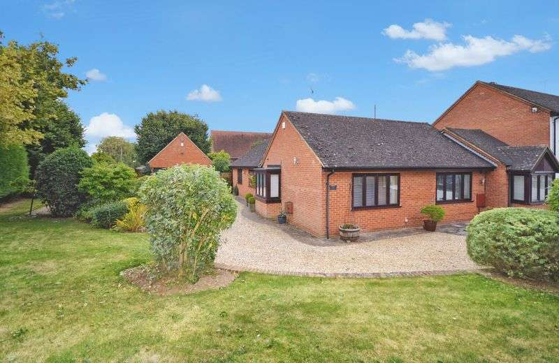 3 Bedrooms Detached Bungalow for sale in Stoke Mandeville