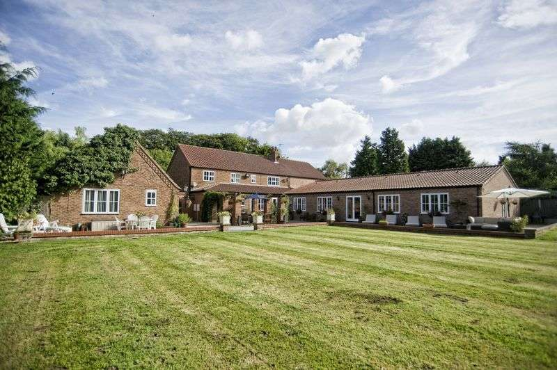 5 Bedrooms Detached House for sale in Church Lane, Broughton, North Lincolnshire, DN20