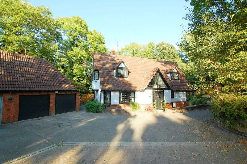 5 Bedrooms Detached House for sale in High Oaks, Langdon Hills