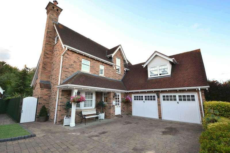 6 Bedrooms Detached House for sale in Petworth close, braintree, Essex, CM77
