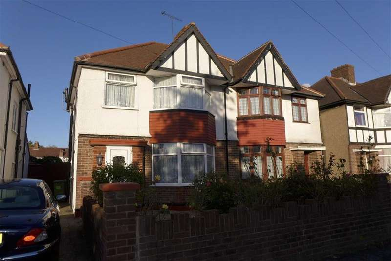 3 Bedrooms Property for sale in Warham Road, Harrow Weald, Middlesex