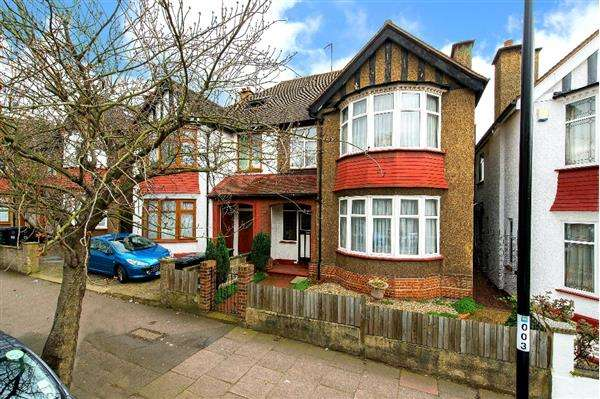 4 Bedrooms Semi Detached House for sale in Troutbeck Road, New Cross