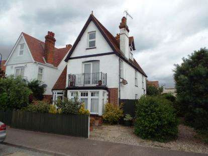 5 Bedrooms Detached House for sale in Felixstowe, Suffolk