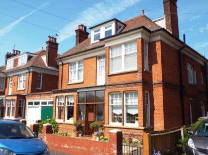 9 Bedrooms Detached House for sale in Felixstowe, Suffolk