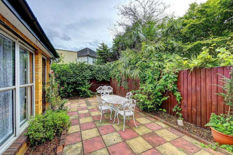 4 Bedrooms End Of Terrace House for sale in Holm Oak Close, Putney, London, SW15 2UN