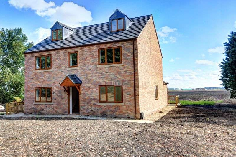4 Bedrooms Detached House for sale in Lynn Road, Littleport