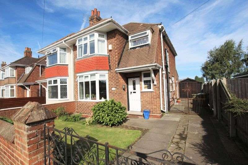 3 Bedrooms Semi Detached House for sale in GLOUCESTER AVENUE, GRIMSBY