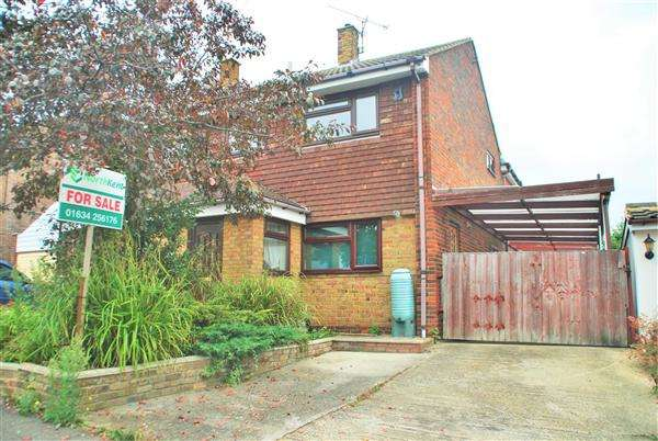 3 Bedrooms Semi Detached House for sale in KINGSHILL DRIVE, HOO ST. WERBURGH