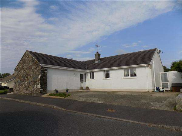 4 Bedrooms Bungalow for sale in Craig Las, Letterston, Haverfordwest