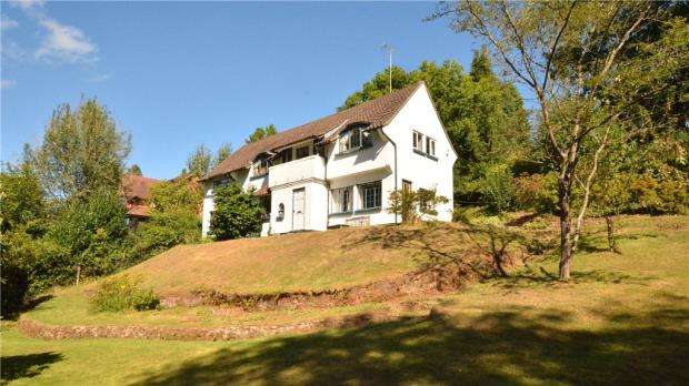 3 Bedrooms Detached House for sale in Sutton Place, Abinger Hammer, Dorking