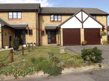 2 Bedrooms Terraced House for sale in Barkingside, Essex