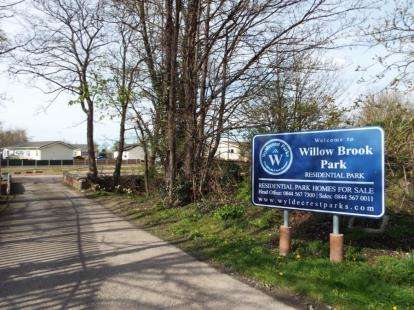 2 Bedrooms Mobile Home for sale in Willow Brook Park, Station Road, Sandycroft, Deeside, Flintshire, CH5