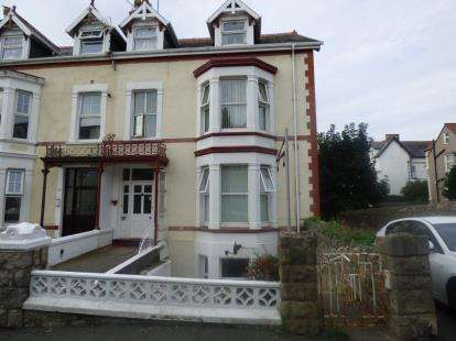 Flat for sale in York Road, Llandudno, Conwy, LL30