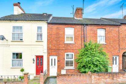 2 Bedrooms Terraced House for sale in Greenfield Road, Newport Pagnell, Milton Keynes, Buckinghamshire
