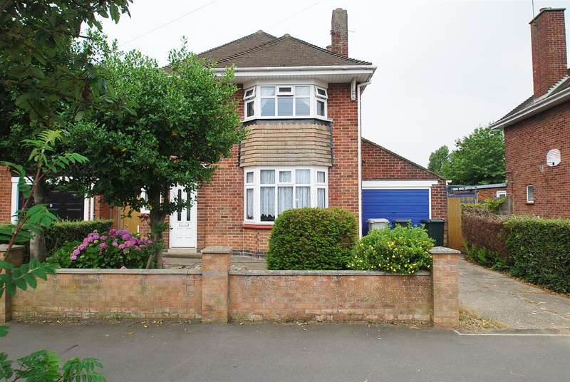 3 Bedrooms Detached House for sale in Lincoln Road, Skegness