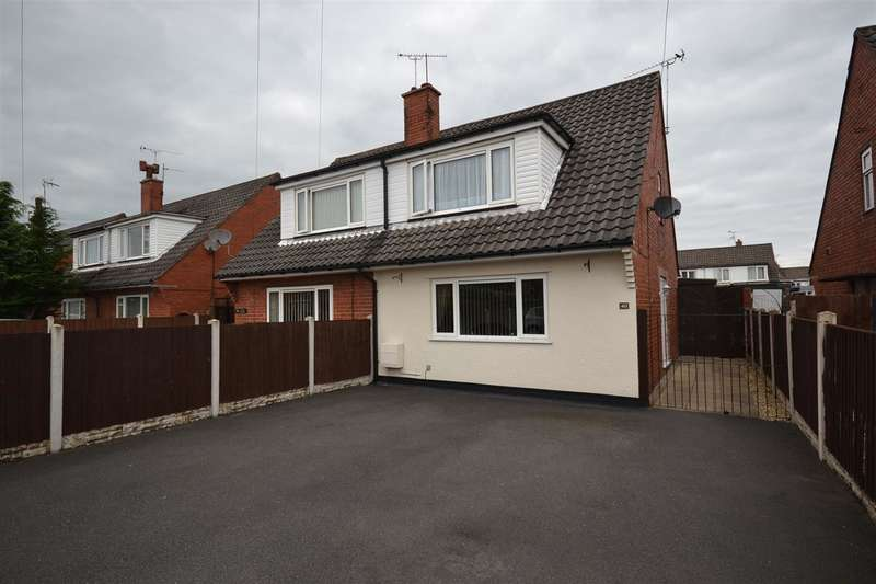 3 Bedrooms Semi Detached House for sale in Elm Drive, Mold