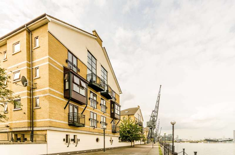 2 Bedrooms Flat for sale in Charlotte House, Royal Docks, E16