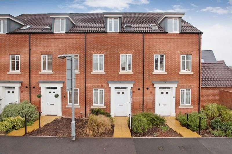 3 Bedrooms Terraced House for sale in LANGFORD MEAD
