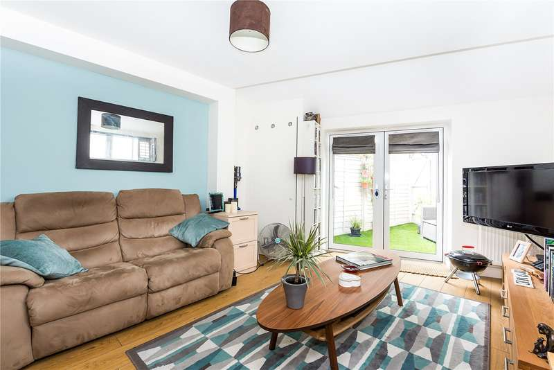 1 Bedroom Flat for sale in High Street, Hampton Wick, KT1