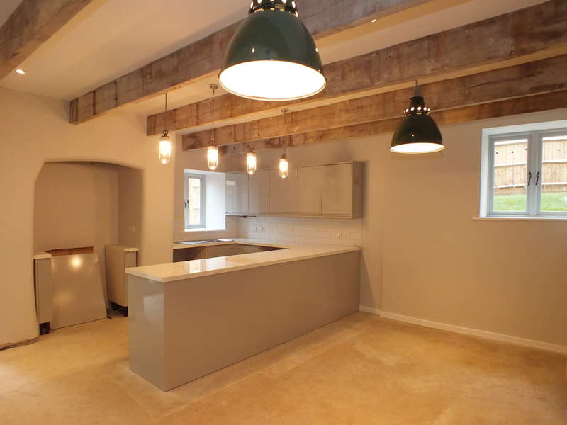 2 Bedrooms Flat for sale in Ebley