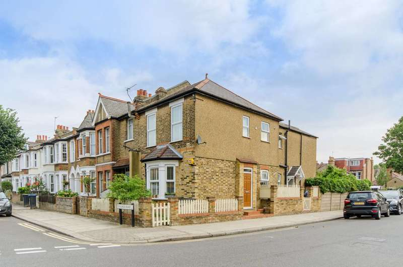 1 Bedroom Flat for sale in Falmer Road, Enfield Town, EN1