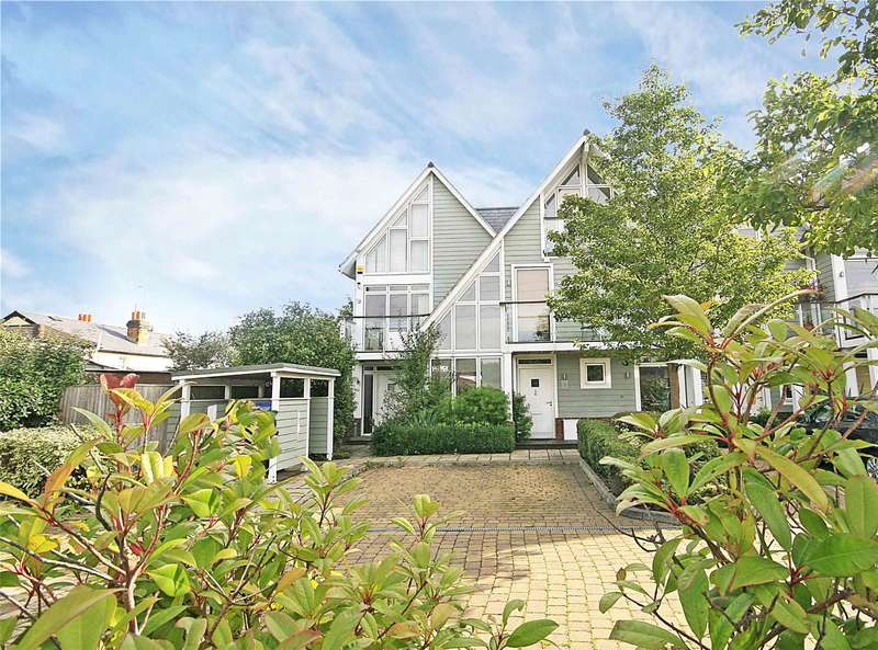 4 Bedrooms End Of Terrace House for sale in The Pavilions, Byfleet, West Byfleet, Surrey, KT14