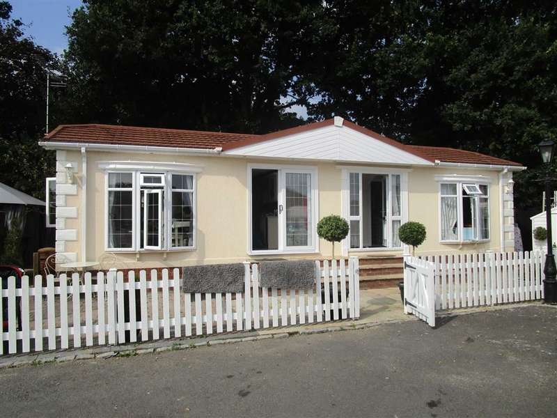 2 Bedrooms Property for sale in Fairfields Park, Mortimer, Reading