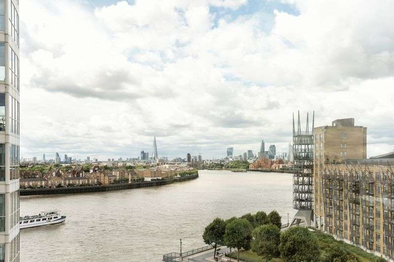 1 Bedroom Flat for sale in Stunning two bed available in Canary Riverside