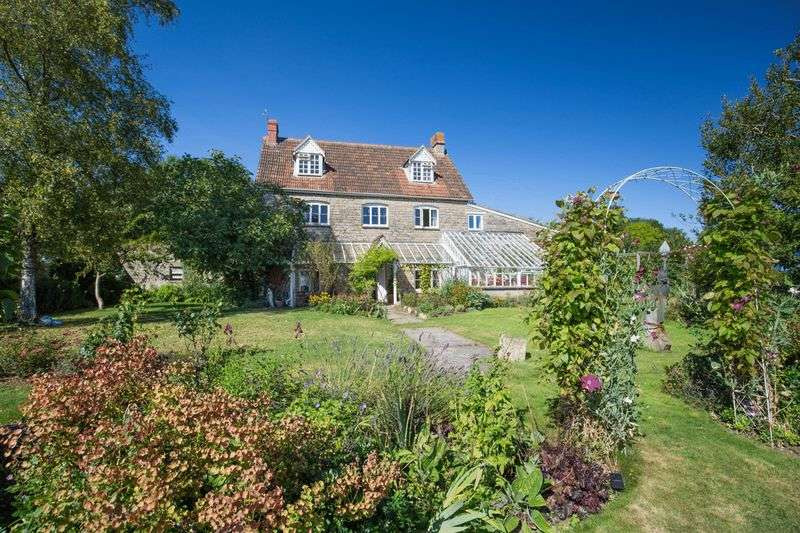 5 Bedrooms Detached House for sale in Stunning house in the popular village of Pilton, Somerset