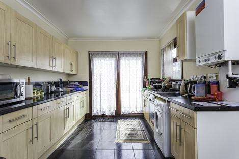 4 Bedrooms Terraced House for sale in Skelton Road, London E7