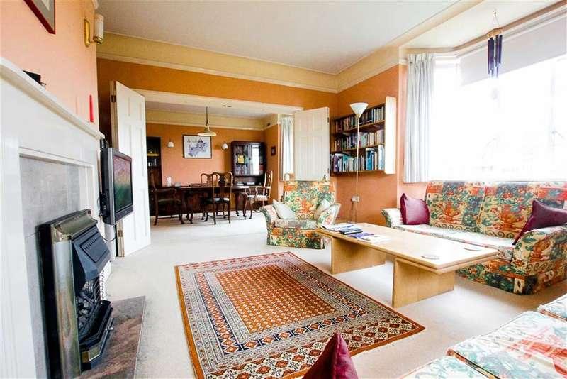 2 Bedrooms Flat for sale in Belsize Avenue, Belsize Park, London