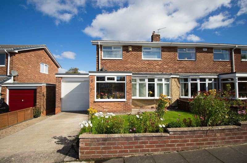 3 Bedrooms Semi Detached House for sale in Stampley Close, Winlaton