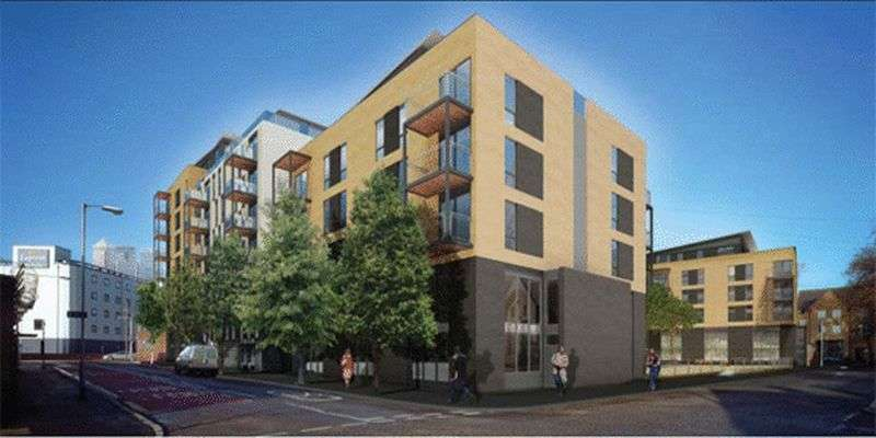 2 Bedrooms Flat for sale in St Luke's Square, Canning Town