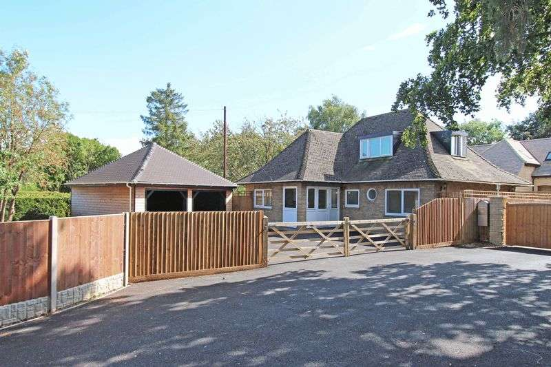 3 Bedrooms Detached House for sale in Russell Hill, Thornhaugh