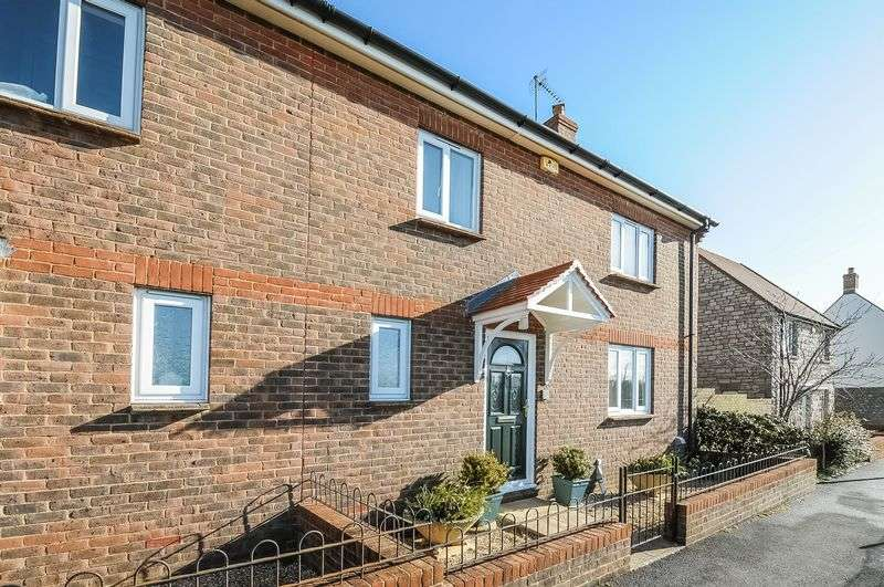 3 Bedrooms Semi Detached House for sale in Standfast Walk, Dorchester, Dorset, DT1