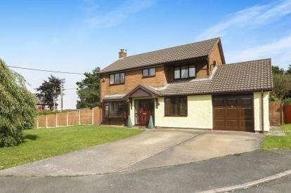 4 Bedrooms Detached House for sale in Bryn Aur, Gorsedd, Holywell, Flintshire, CH8