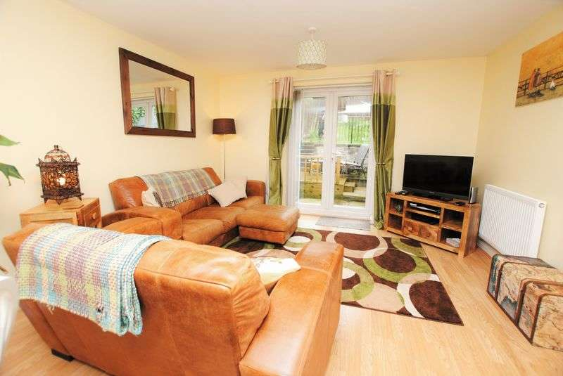 2 Bedrooms Semi Detached House for sale in Dartmoor View, Saltash