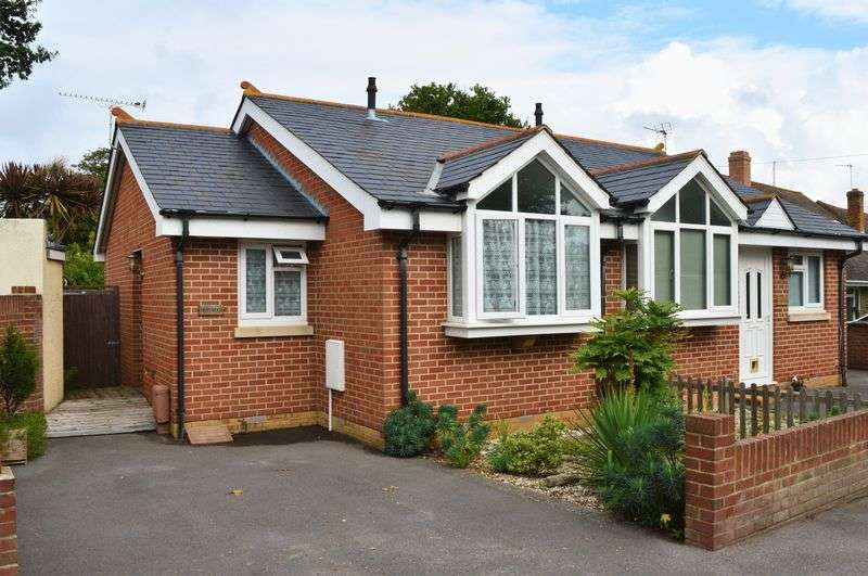 1 Bedroom Semi Detached Bungalow for sale in Marine Walk, Hayling Island