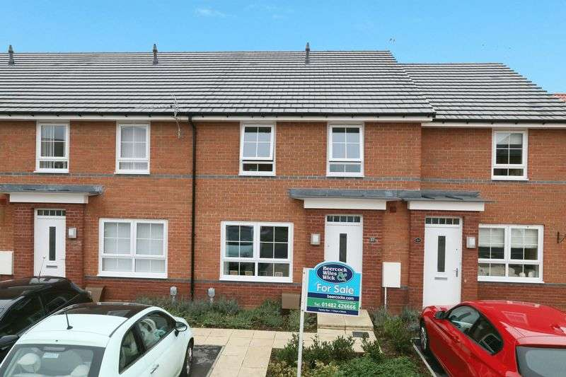 2 Bedrooms Terraced House for sale in Brompton Park, Kingswood