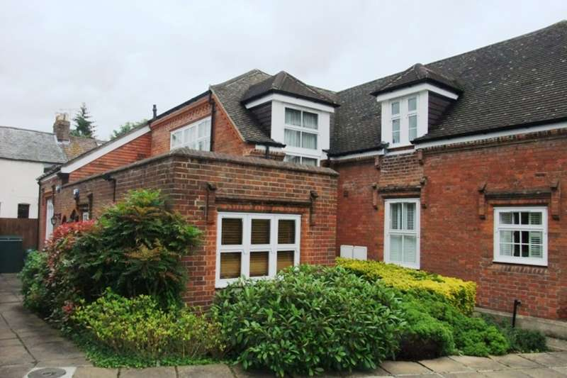 2 Bedrooms Mews House for sale in Old Priory Park, Old London Road
