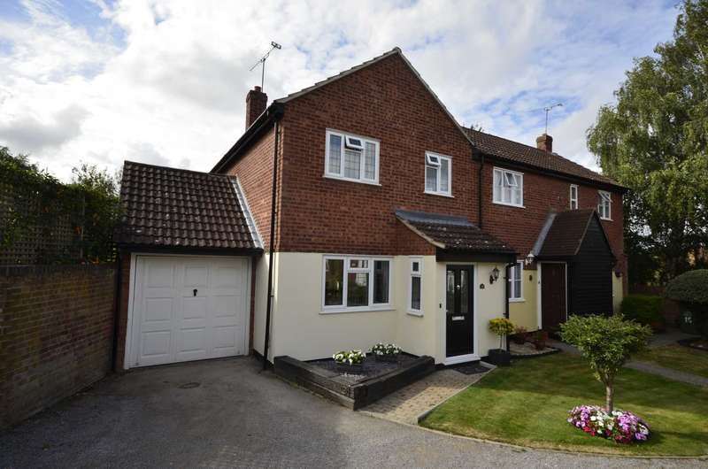 3 Bedrooms Semi Detached House for sale in Dorset Way, Billericay