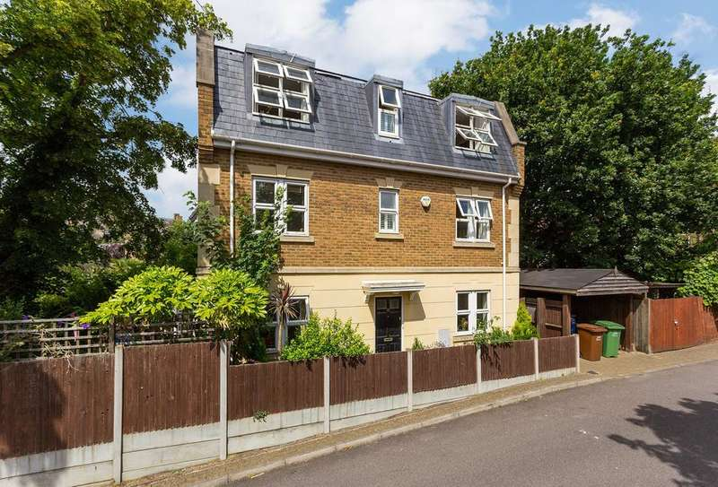 5 Bedrooms Detached House for sale in Streamline Mews, Underhill Road, London SE22