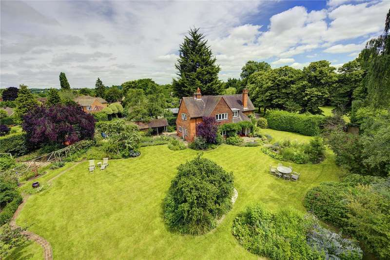4 Bedrooms Detached House for sale in The Crescent, Shiplake, Henley, Oxon, RG9