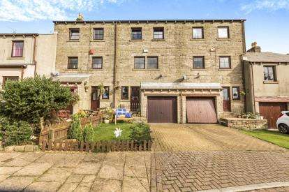 4 Bedrooms Terraced House for sale in Annarly Fold, Worsthorne, Burnley, Lancashire